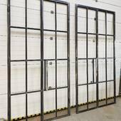 Další z dveří jsou hotové. Tyto jsou stejné, zrcadlově otočené. Výplň bude také speciální - matované drátosklo #dvere #dveře #interierovedvere #ocelovedvere #türe #innentüren #innentür #turen #türen #deuren #industrieltur #türenproduktion #steeldoors #steeldoor #door #loftdoor #loft #loftstyle #loftdesign #loftinterior